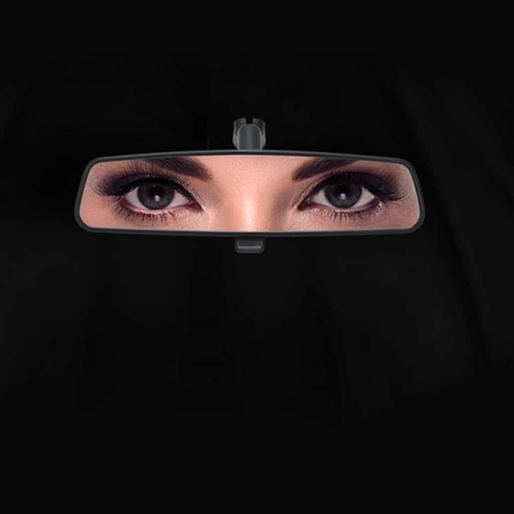 사우디에 여성 운전이 합법화된 후 포드 광고 Ford image advert in Saudi