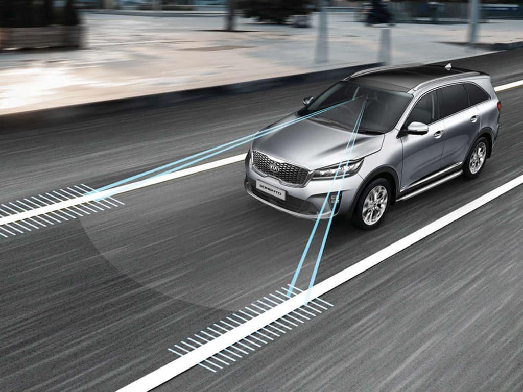쏘렌토에 적용중인 차선이탈경보장치 설명 이미지 kia new sorento safety lane departure warning system