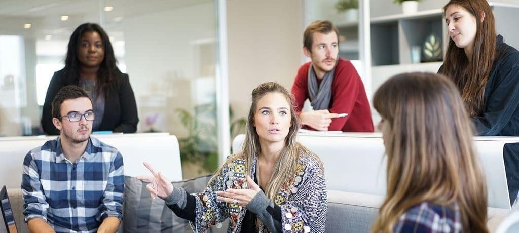 비지니스 미팅 회의 workplace_Featured