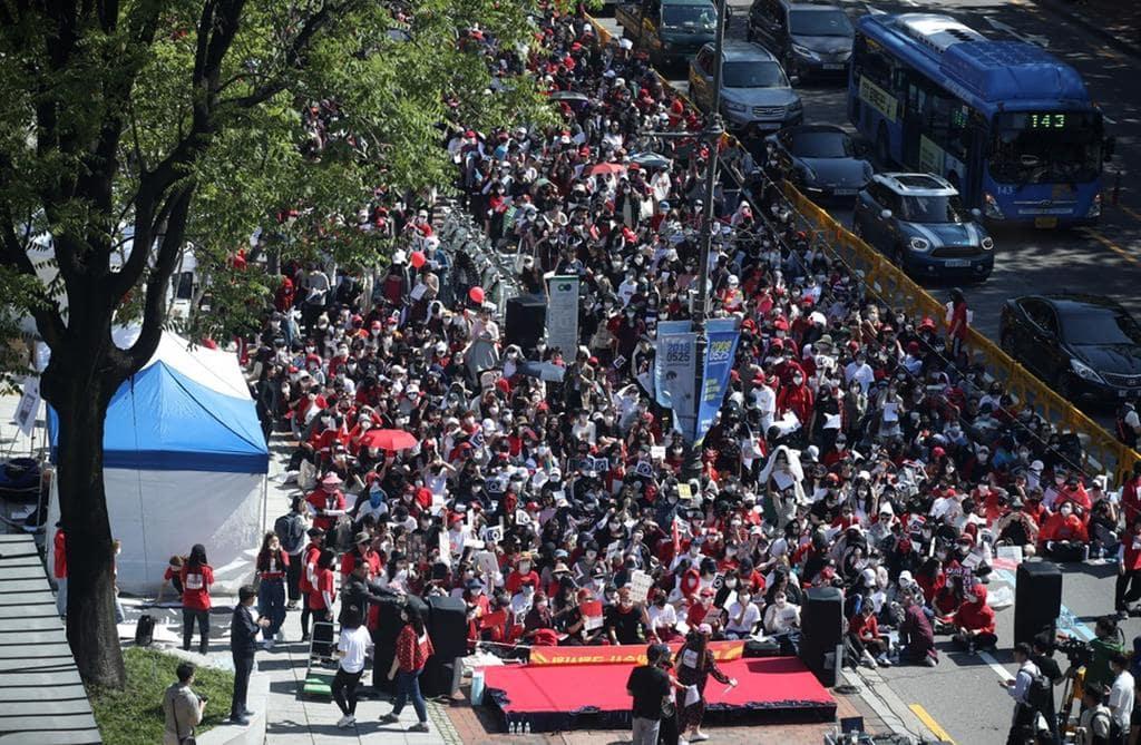 최근 열린 여성 편파 수사 중단 시위 이미지- 한겨레신문