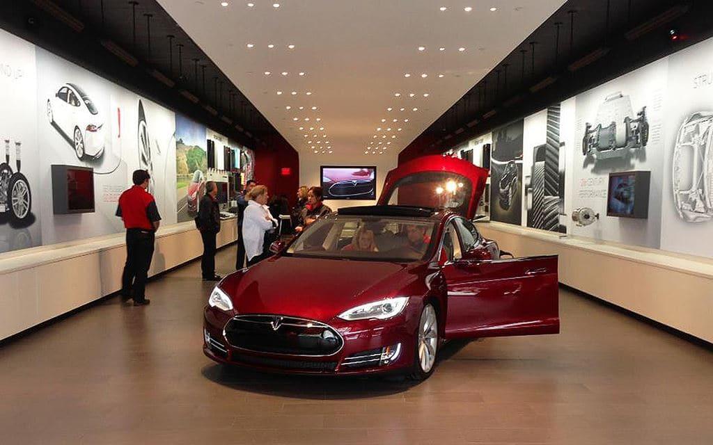 테슬라 시카고 매장 Tesla Chicago Store