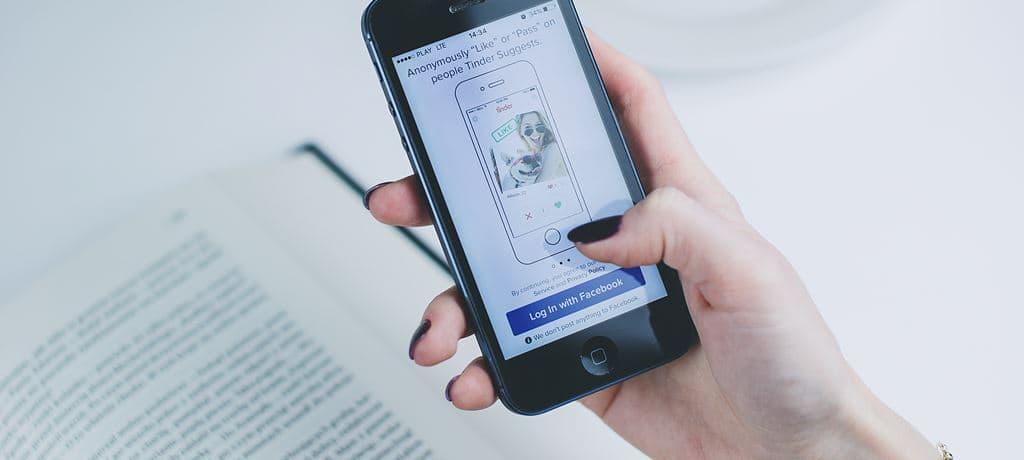 [페이스북 투자의견] BoA, 애플 정책으로 페이스북 매출 7~8% 감소 가능성 제기로 목표주가 하향 15