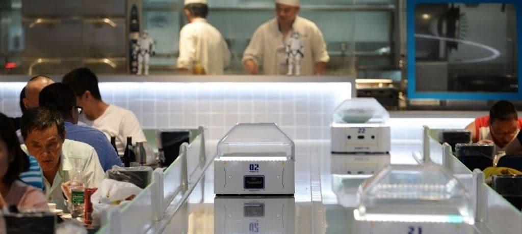 중국 상하이 Hema 슈퍼마켓에 오픈한 로봇 식당(Robotic resraurant),