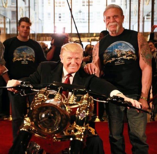 할리 데이비슨에 제공한 도널드 트럼프대통령 전용 모델 Donald Trump customised Gold Chopper, Image - Bikewriter.com