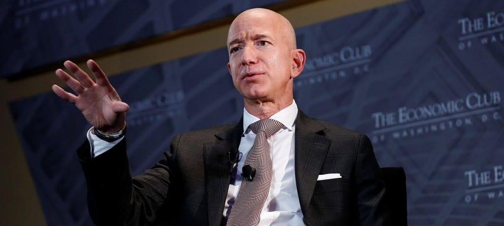 2018년 9월  경제포럼에서 인터뷰중인 제프 베조스(Jeff Bezos), Image - CNBC인터뷰 영상 캡춰