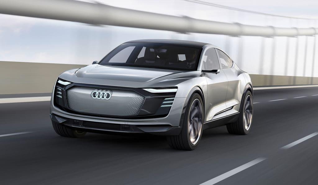 아우디 이트론(Audi e-tron)  전면 주행 이미지, Image - Audi