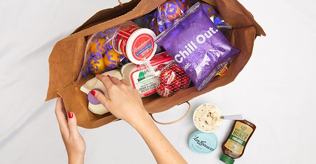 제트닷컴에서 식료품을 포장하고 있는 모습, Imahe - Jet