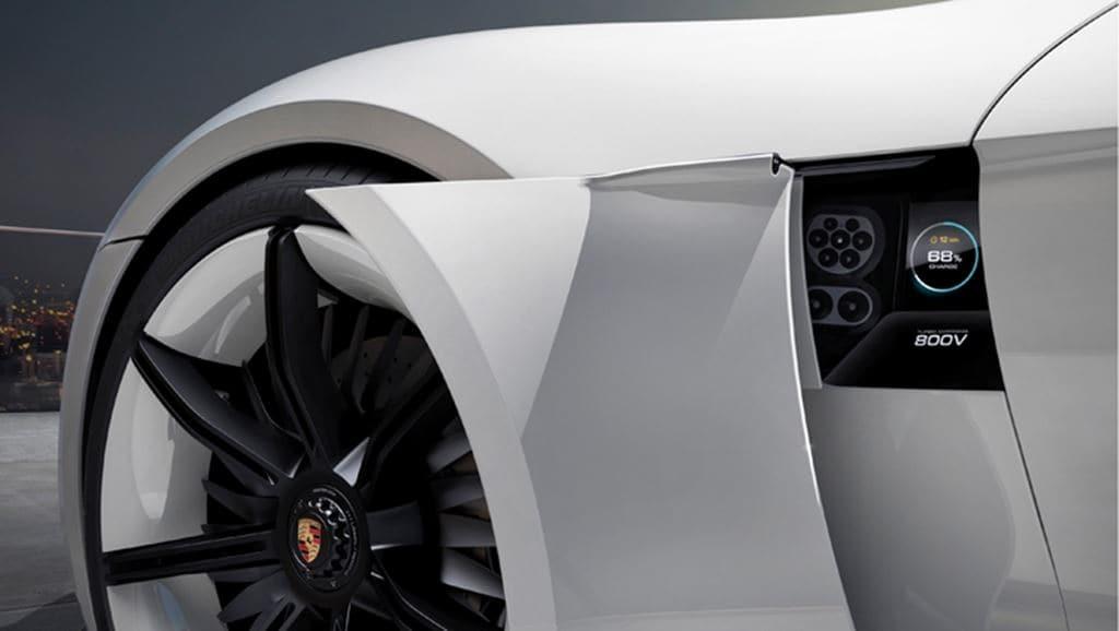 포르쉐 전기자동차 Taycan 전기 충전구 및 휠 모습, image - Porsche