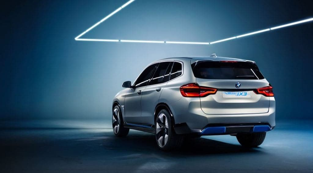 BMW 전기자동차 컨셉카 iX3 뒷면 모습, Image - BMW