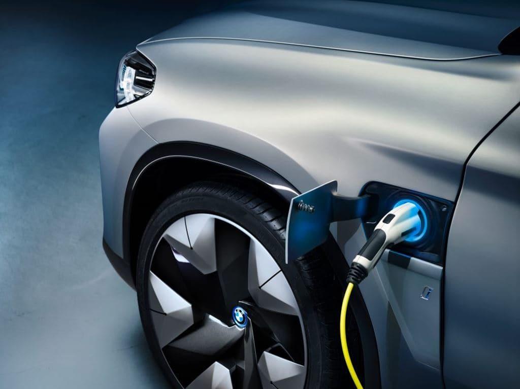 BMW 전기자동차 컨셉카 iX3 충전부와 휠 모습, Image - BMW