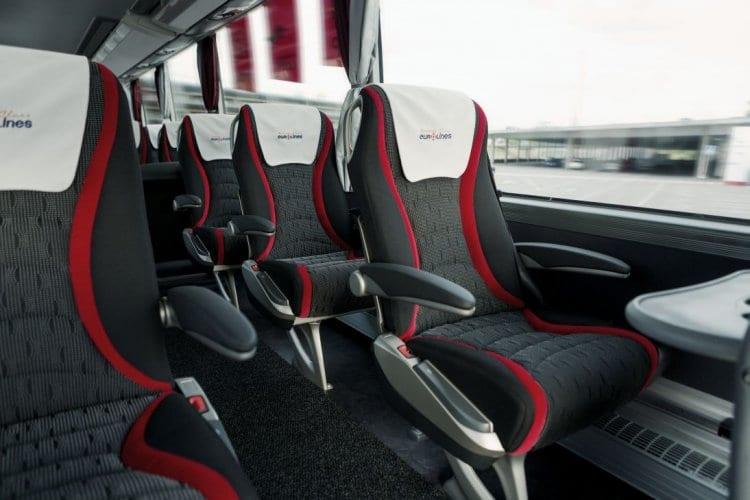 대중교통 여행 - 유로라인즈 버스 내부 모습니다.VIP-seats