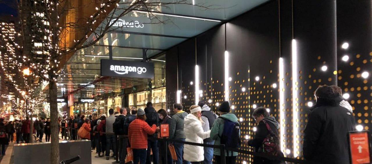 아마존고 오픈하는 날 풍경, 사람들은 10분을 기다려야 했다고 amazon go store opening day 10 minute waiting, Image - throwboy.com