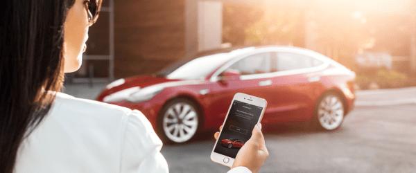 테슬라 모델 3 모바일 앱 사용 모습 Model 3 My Tesla Phone App as Key, Image - techcrunch