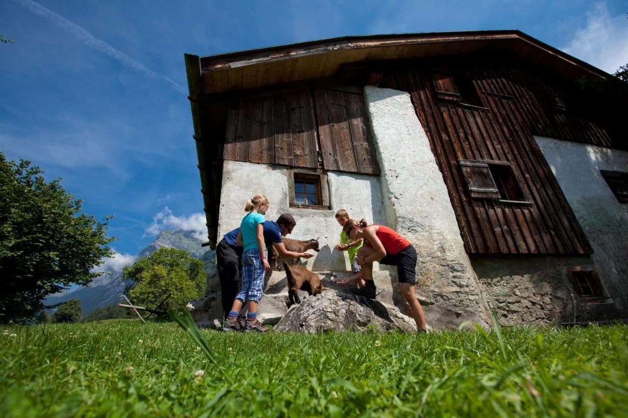 소설속 알프스 소녀 하이디 마을을 현실로 만든 스위스 마이엔펠트(Maienfeld)의  관광 마케팅 5