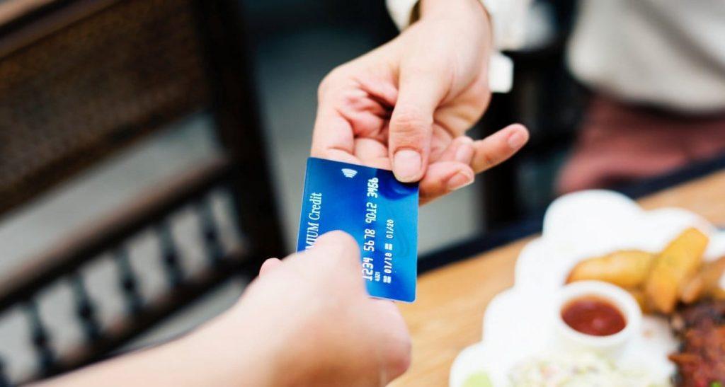 신용카드 사용하기(credit card), Image - rawpixel