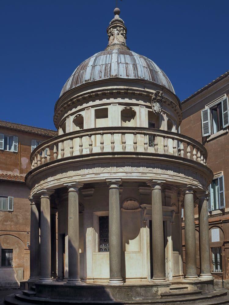 이탈리아 여행, 산 피에트로 인 몬토리오 성당(Chiesa di San Pietro in Montorio)의 지붕 둠인 템피에토(Tempietto), Image - 위키디피아