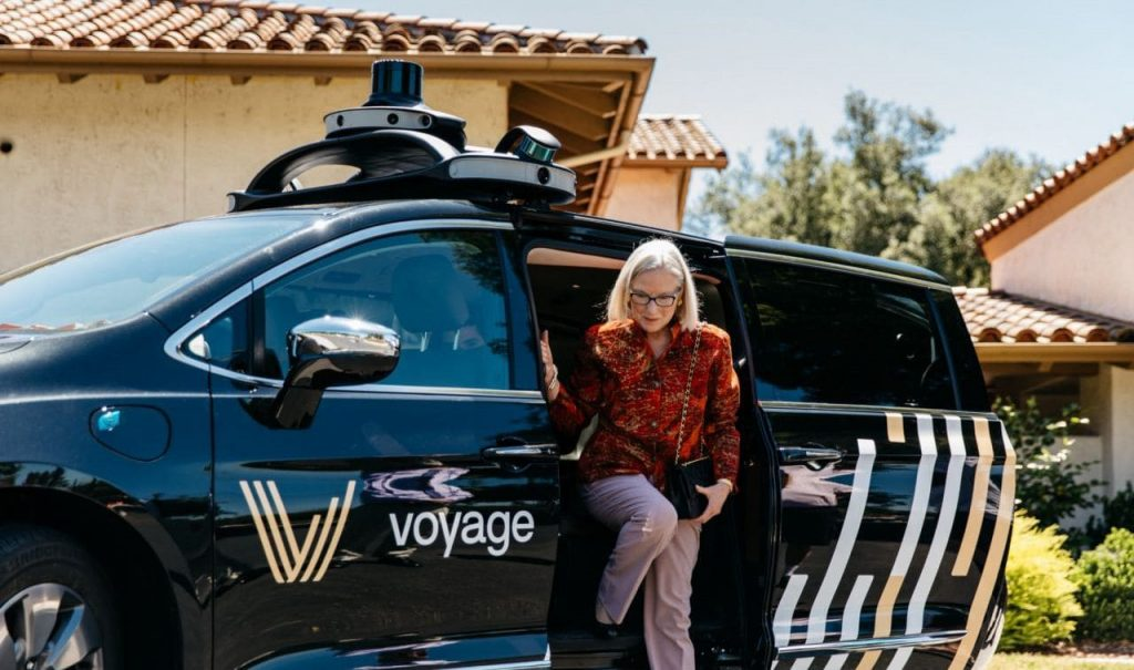 자율주행 택시 스타트업 보이지(Voyage)의 자율주행 택시 서비스를 이용중인 커뮤니티 주민 02, Image - Voyage