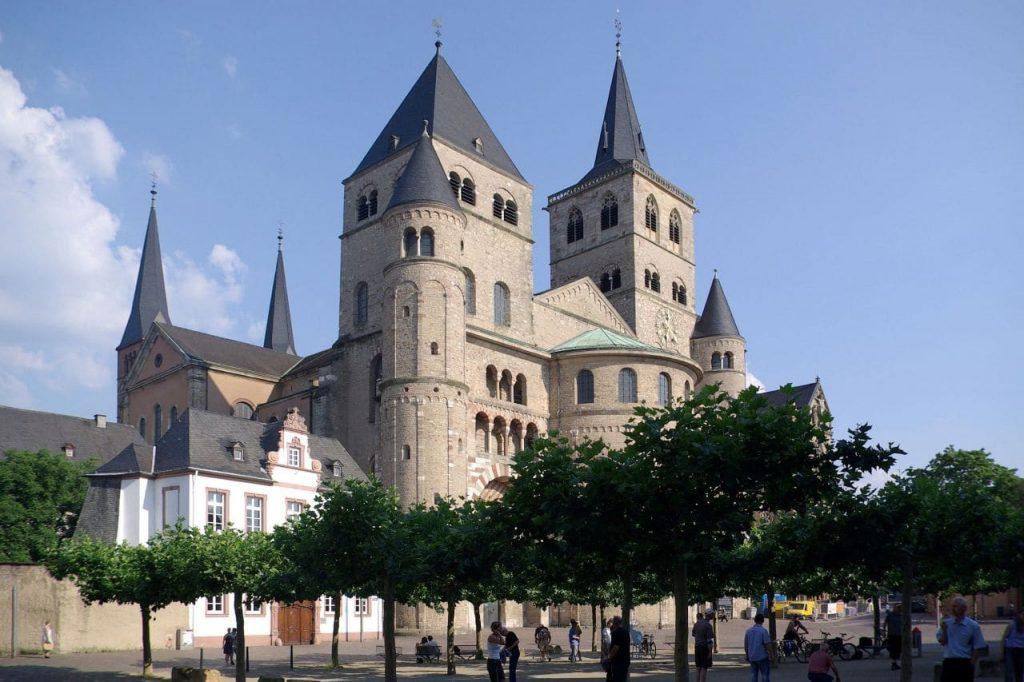 트리어 대성당(Hohe Domkirche St. Peter zu Trier), 이미지 - 위키디피아