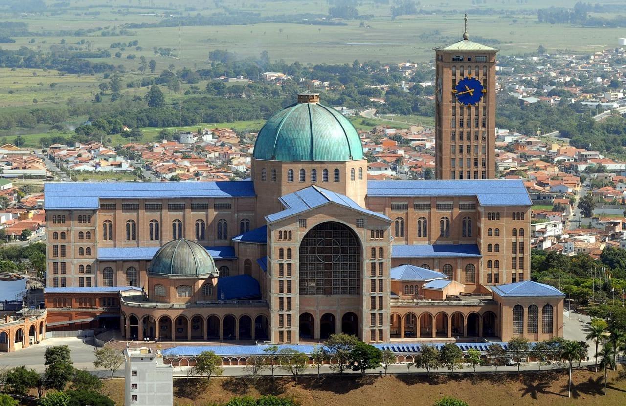 브라질 아파레시다 대성당(Basilica of the National Shrine of Our Lady of Aparecida), Image - Valter Campanato, Wiki