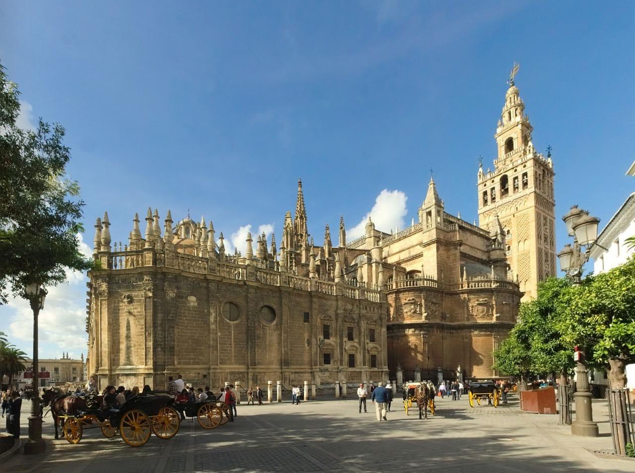 세비아 대성당(The Cathedral of Saint Mary of the See , Seville Cathedral), Image - Ingo Mehling, Wiki