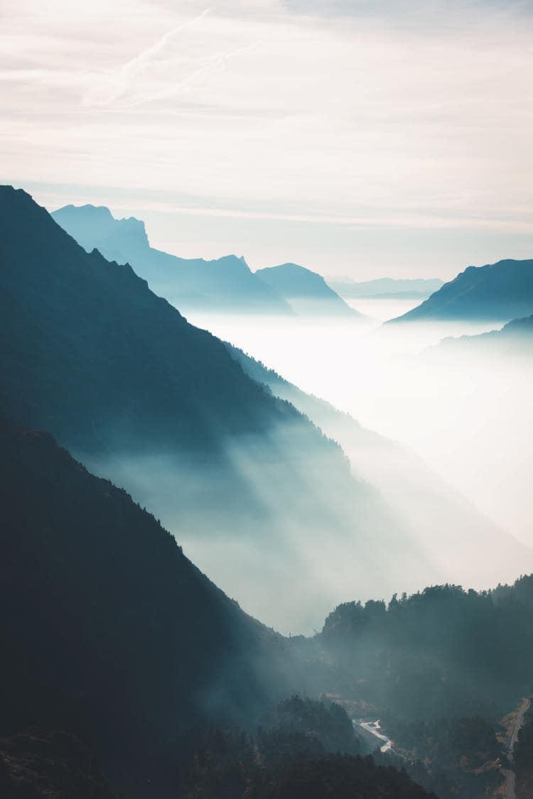 스위스 자동차 여행, 가드맨 근방의 수스텐 패스(Susten PASS)의 안개 낀 산악 풍경, Susten Pass, Gadmen, Switzerland, Image - alwin-kroon