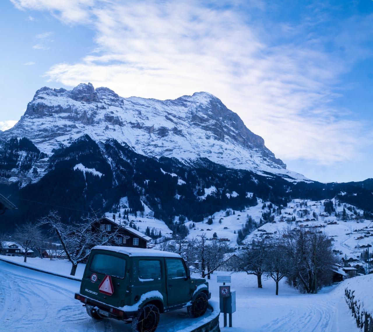 스위스 자동차 여행 - 그린델발트 눈내린 겨울 풍경과 아이거산 품경, Image by Happist