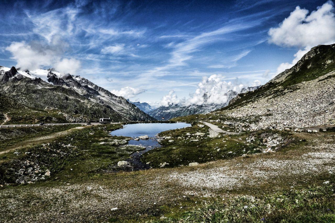 스위스 자동차 여행, 수스텐 패스(Susten PASS) 정상 작은 호수, Susten Pass, Gadmen, Switzerland, Image - thanos-pal
