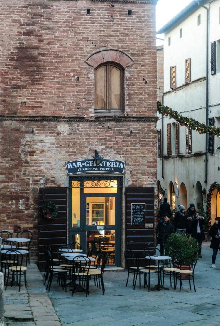 유럽 이탈리아 자동차여행_피엔차(Pienza) 골목 풍경-카페, Image - Choi dongsoon