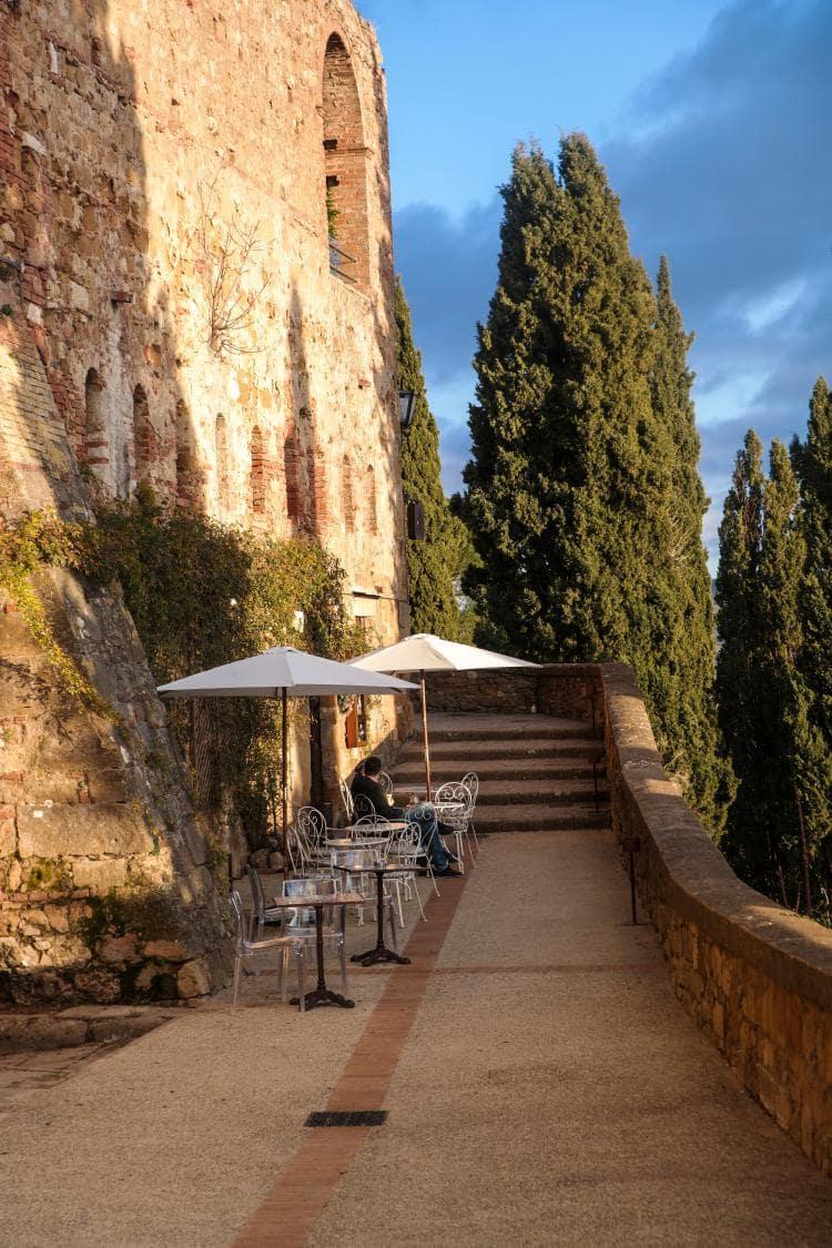 유럽 이탈리아 자동차여행_피엔차(Pienza) 피콜로미니 궁전(Palazzo Piccolomini) 뒤 전망대 부근의 카페, Image - Choi dongsoon-0242