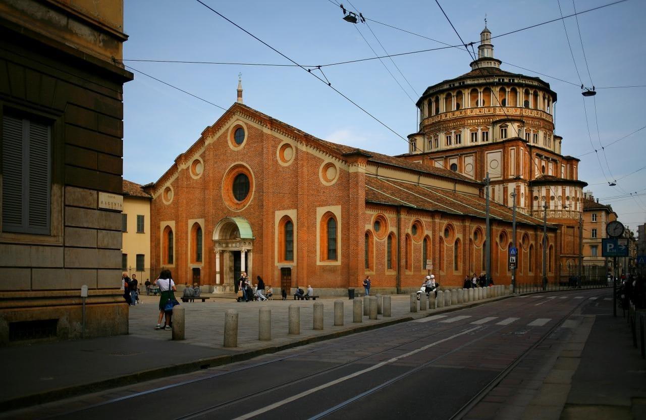 이탈리아 밀라노 산타마리아 델레 그라치에성당(Chiesa di Santa Maria delle Grazie) Santa Maria delle Grazie, Milano, vista di tre quarti dal Corso Magenta, Image - Paolobon140