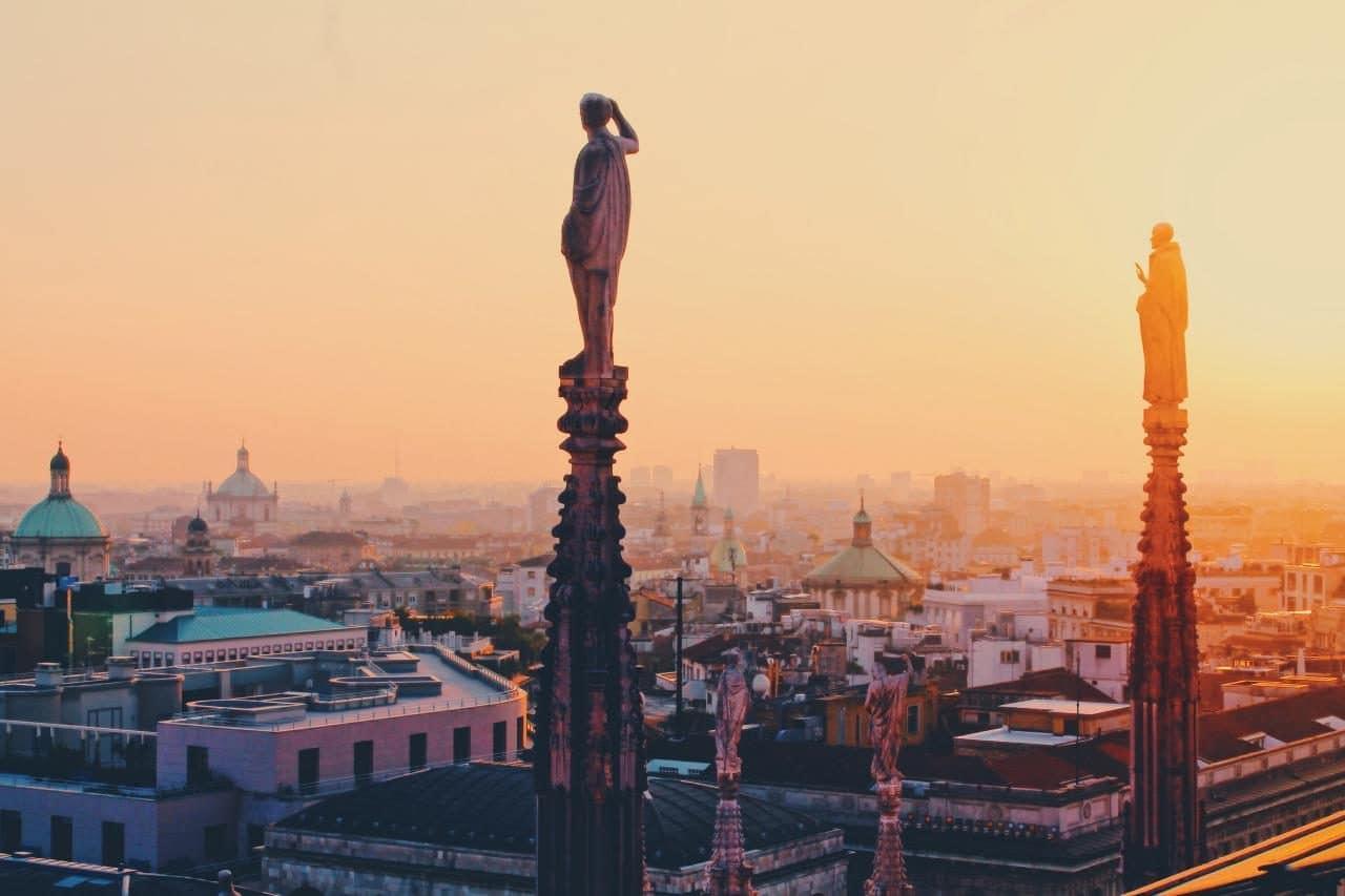 이탈리아 여행, 석양의 밀라노 대성당 지붕위 전시산, Image - alex-vasey