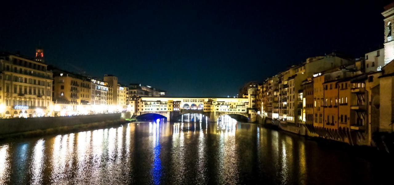 이탈리아 여행, 피렌체, 베키오다리(Ponte Vecchio) 야경을 광각으로 담아본다, Image - Choi dongsoon