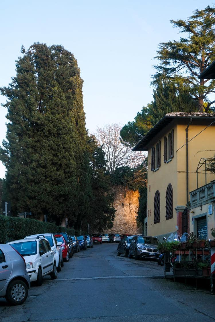 이탈리아 여행, 피렌체 야경이 아름다운 미켈란첼로 광장, 광장으로 가능 골목 길, Image - Choi dongsoon