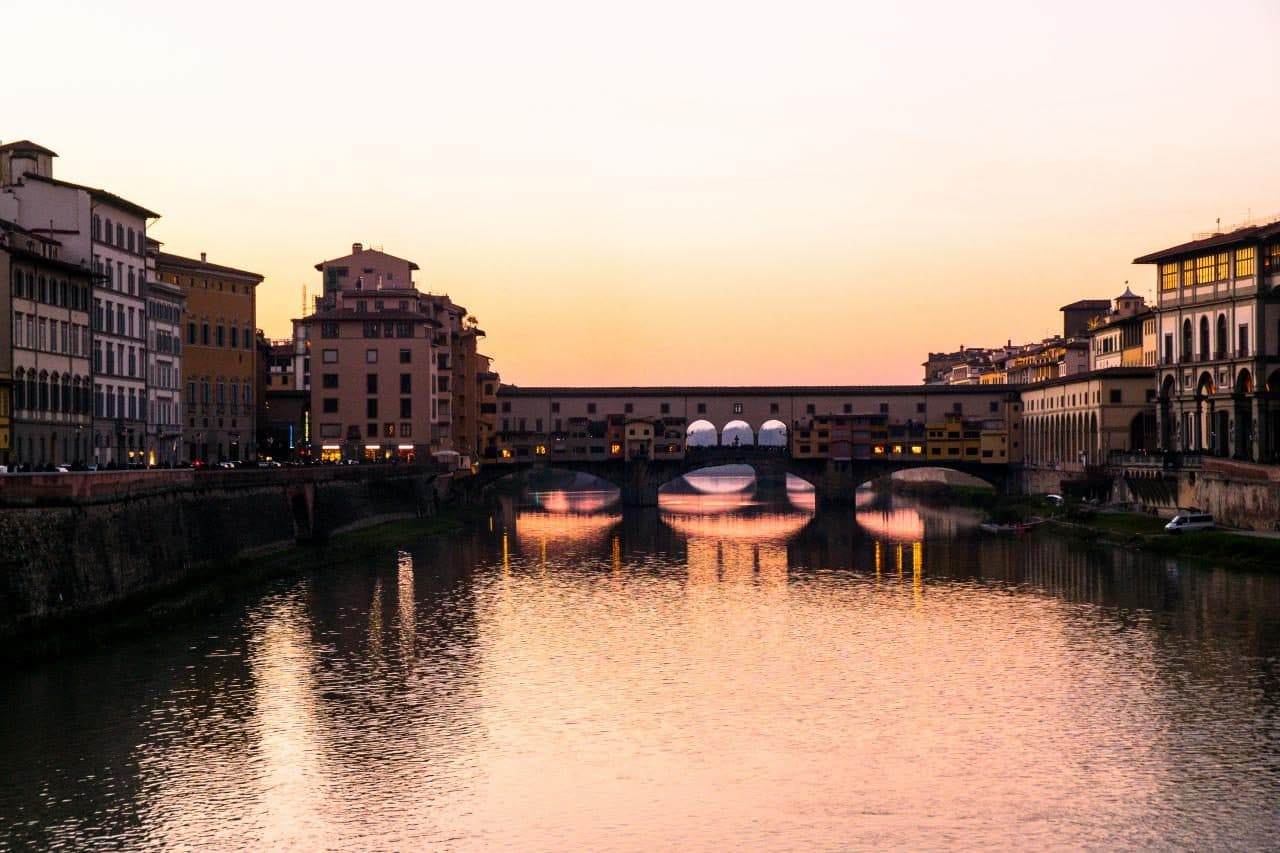 이탈리아 여행, 피렌체 야경이 아름다운 미켈란첼로 광장, 황혼 무렵의 베키오다리, Image - Choi dongsoon