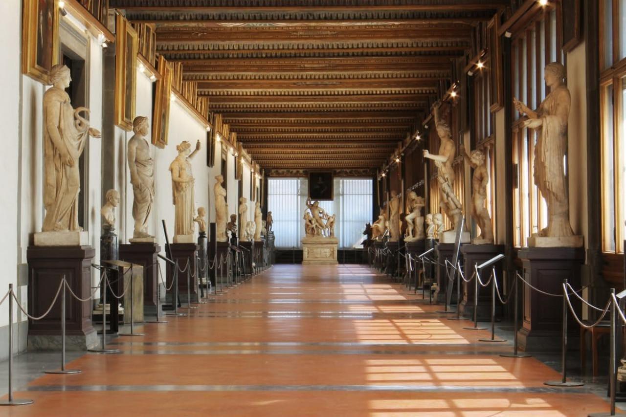 이탈리아 여행, 피렌체 우피치미술관 내부, Galleria degli Uffizi, Piazzale degli Uffizi, Firenze, Italy, Image - Uffizi Gallery