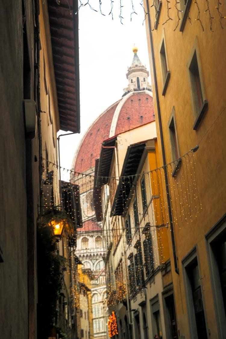이탈리아 여행, 피렌체, 피렌테 대선당 두우모가 보이는 골목 풍경, Image - Choi dongsoon