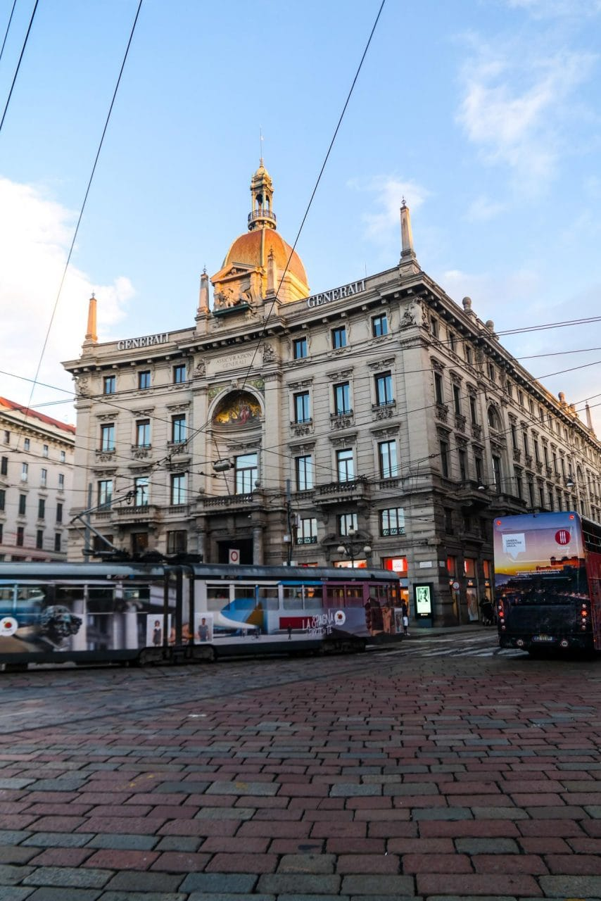 이탈리아 자동차 여행, 밀라노 시내, 트램이 다니는 풍경, Image by Happist