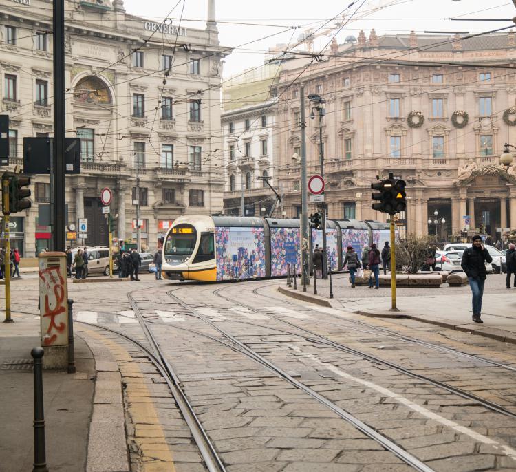 이탈리아 자동차 여행, 트렘이 지나는 밀라노 시내 풍경, Image by Happist