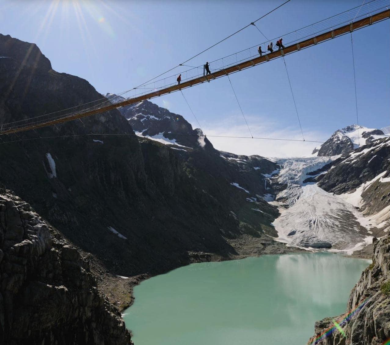 트리프트 빙하 및 트리프트 다리(Trift Bridge) 그리고 호수 풍경, Image - Grimselwelt