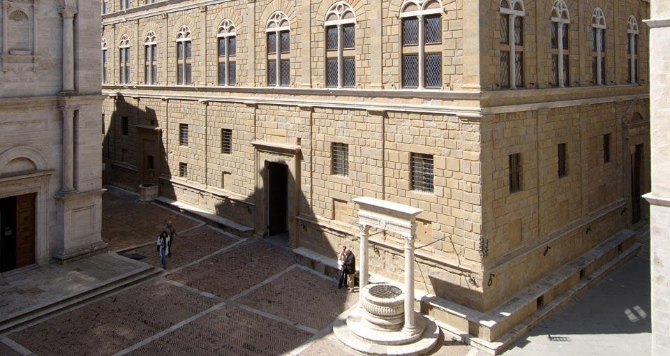 피콜로미니 궁전(Palazzo Piccolomini),  Image - Palazzo Piccolomini site