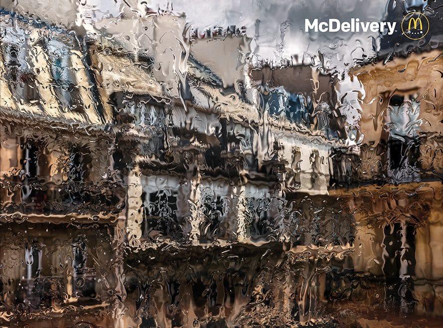 맥도날드 프랑스의 예술감 넘치는 맥딜러버리 광고, McDonald's France Created Lovely, Impressionistic Ads About Days That Call for Delivery, mcdelivery-2019, Image - McDonald