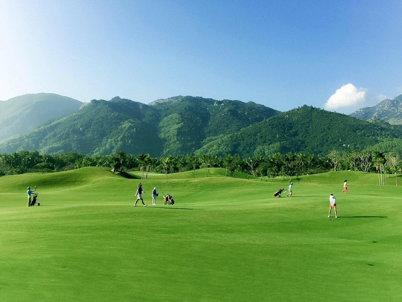 [베트남 골프여행] 미스 유니버스대회가 열렸던 나트랑 다이아몬드 베이 골프클럽(Diamond Bay Golf and Villas) 6