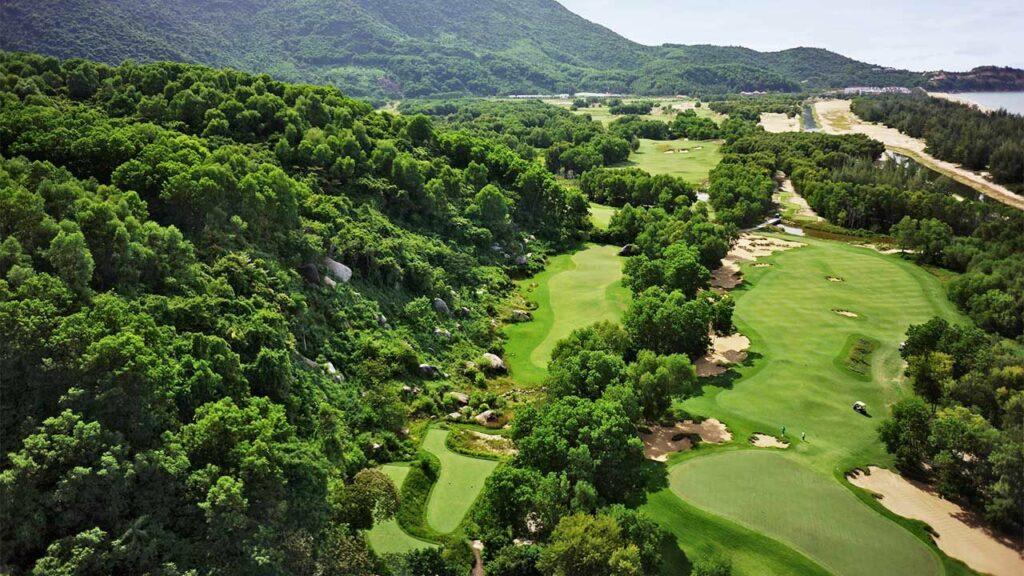 라구나 랑코 골프클럽(Laguna Lang Co Golf Club), 하늘에서 바라본 골프장 풍경 05
