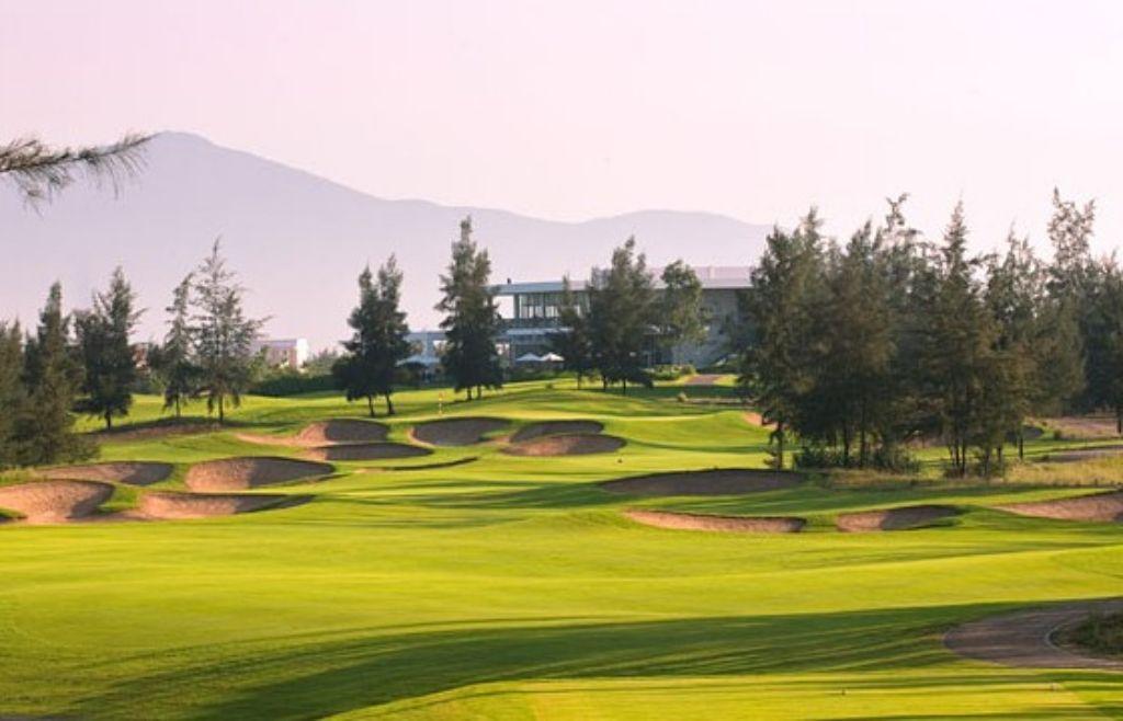 몽고메리 링크스 골프클럽(Montgomerie Links Golf Club), 12번 홀 필드 풍경