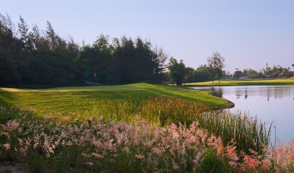 몽고메리 링크스 골프클럽(Montgomerie Links Golf Club), 4번 홀 5번 그린 풍경