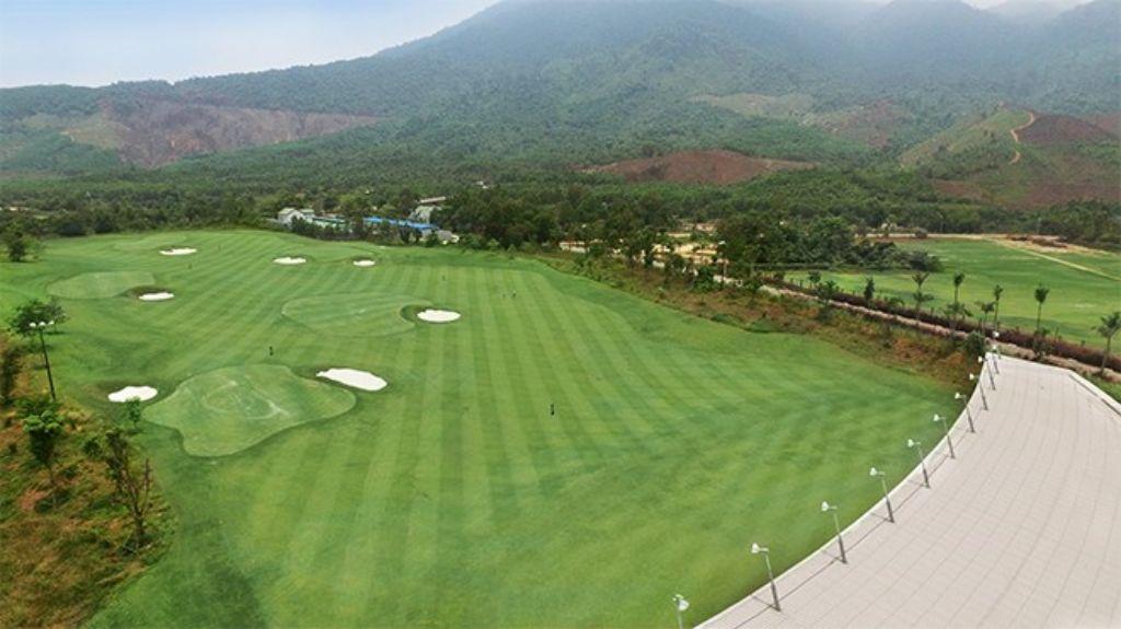 바나힐 골프클럽(Ba Na Hills Golf Club), 하늘에서 바라본 드라이빙 레인지, BNH_Aerial_Practice-Range-Fairway-01_HR
