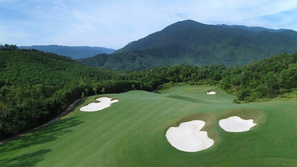 바나힐 골프클럽(Ba Na Hills Golf Club), BaNaHills_13FWAerial_1025
