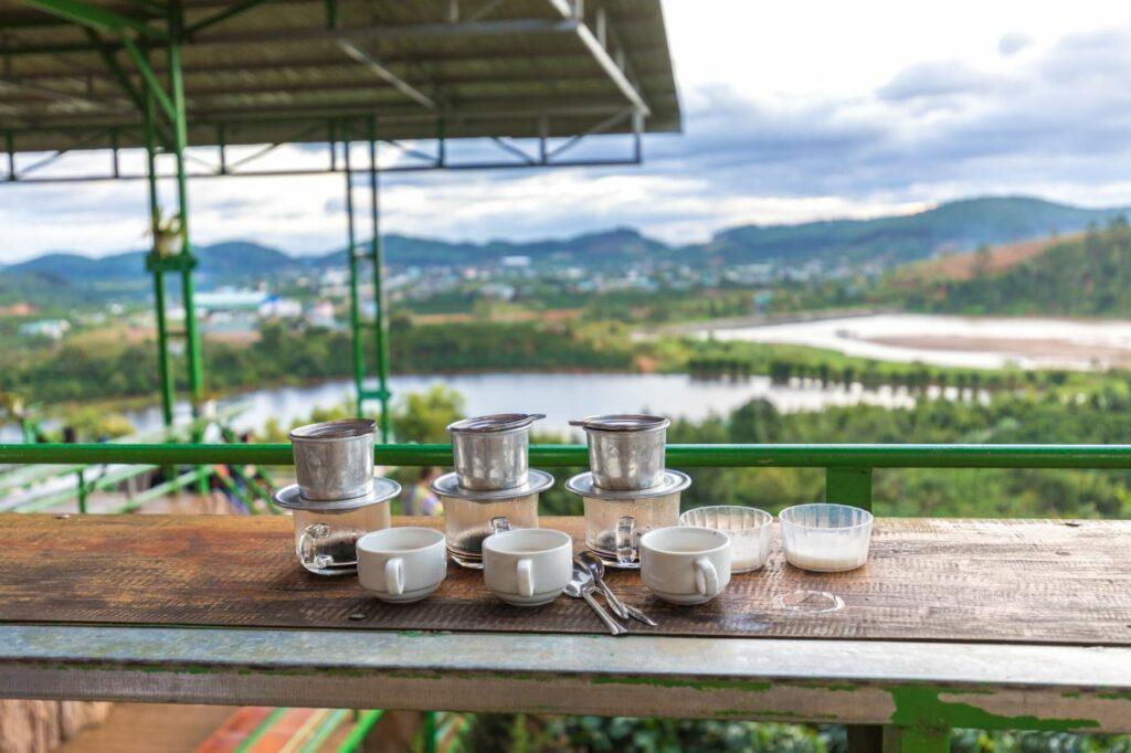 베트남 달랏(Da lat) 커피잔이 있는 풍경, Image by TeeFarm