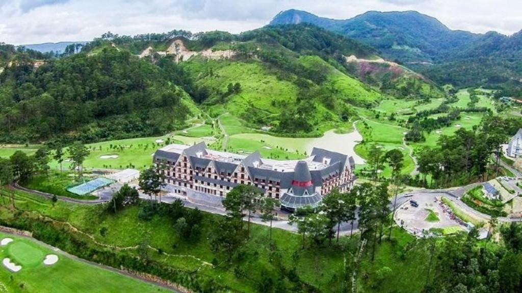 샴 투옌럼 골프 앤 리조트(Sam Tuyen lam Golf & Resort) 내 스위스벨 리조트 전경