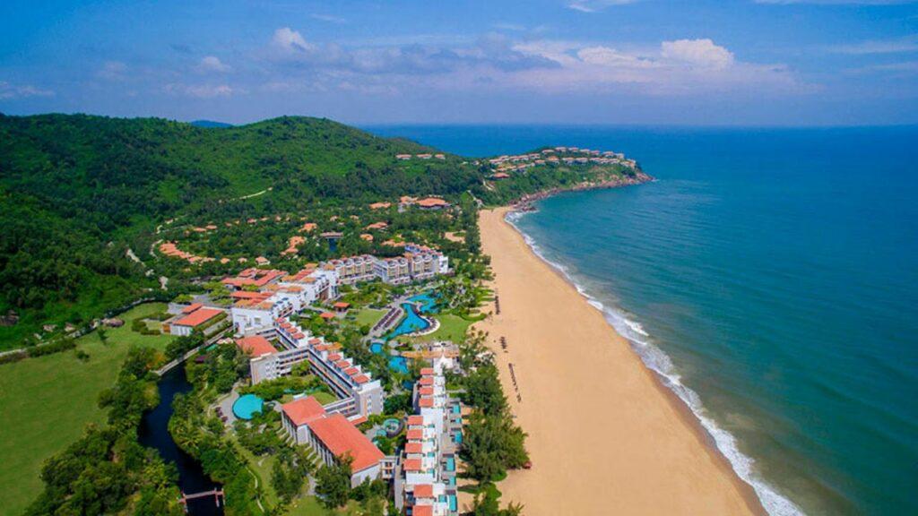 앙사나 랑코 리조트(Angsana Lang Co Resort), 바다옆에서 바라 본 리조트 풍경, ANVNLC-offer-Stay 4 Pay 3